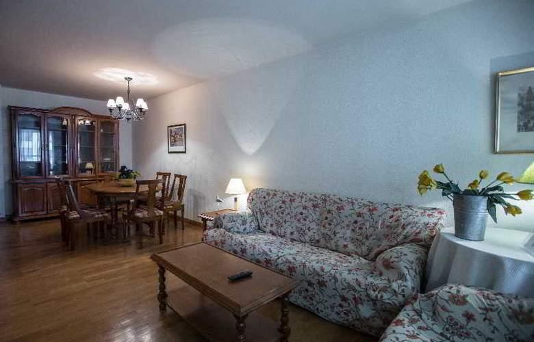 Apartamentos Gestion de Alojamientos - Room - 18