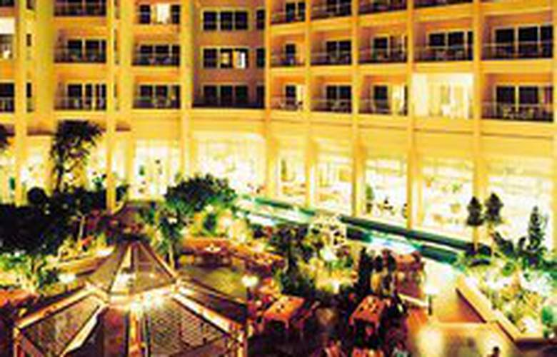 Hurghada Marriott Beach Resort - Terrace - 11