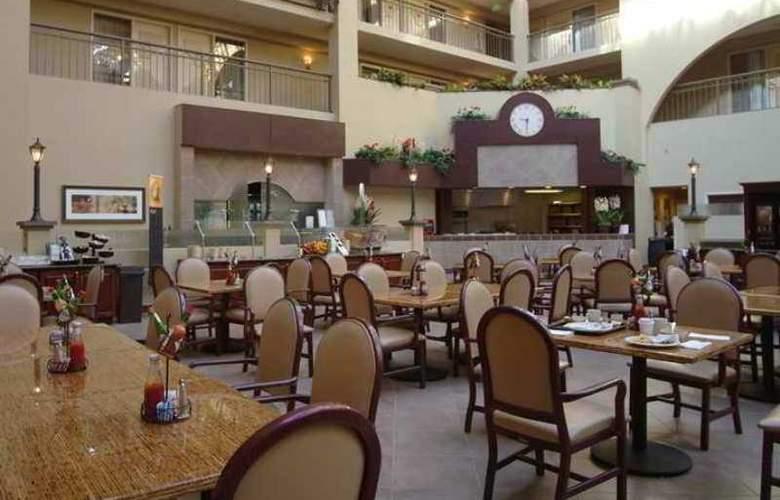 Embassy Suites Bellevue - Hotel - 8