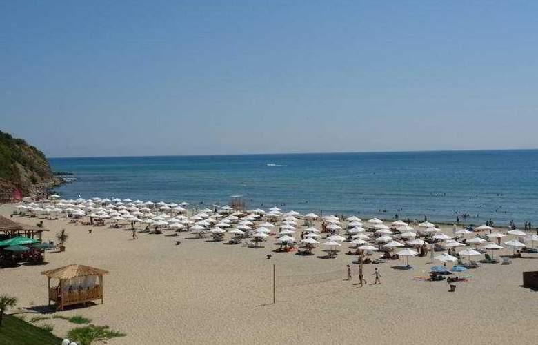Etara - Beach - 4