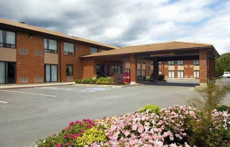 Comfort Inn Hwy. 401 - Kingston - Hotel - 0