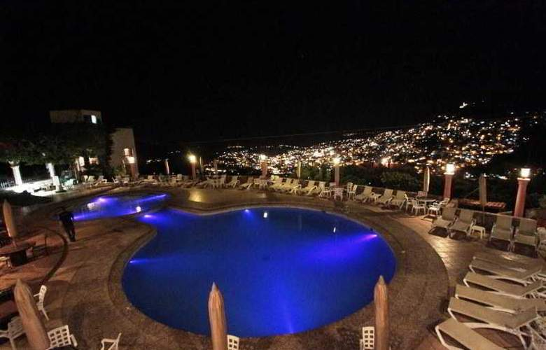 Montetaxco Resort & Country Club - Pool - 12