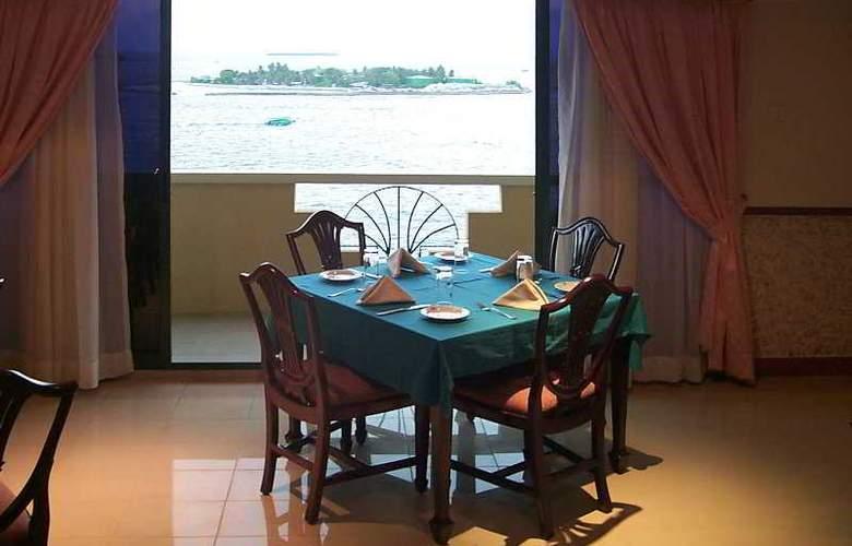 Mookai Hotel & Service Flats Pvt. Ltd - Restaurant - 11