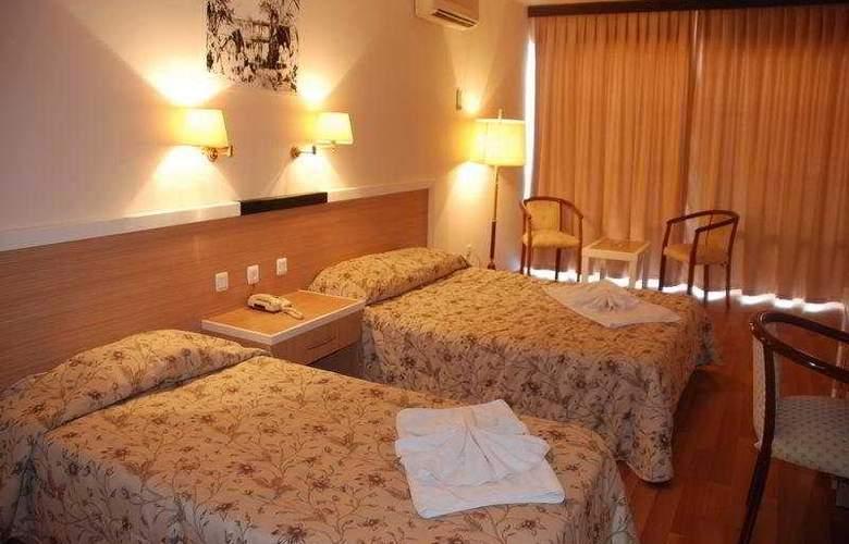 Tuntas Hotel Altinkum - Room - 4