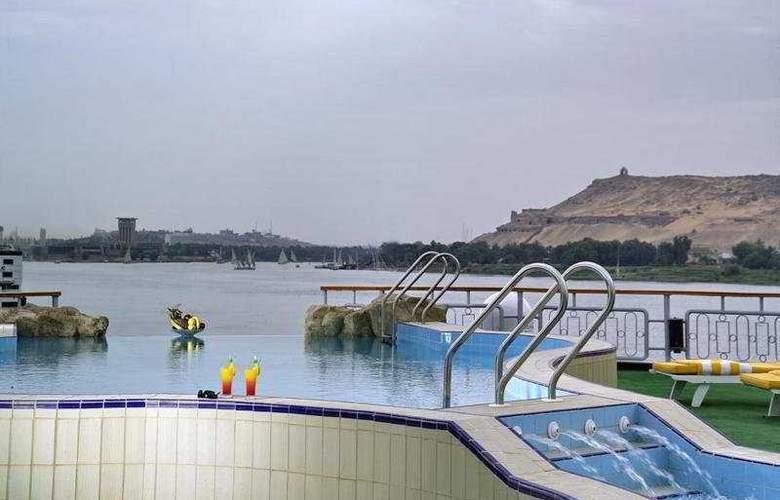 M/S Sonesta Star Goddess Nile Cruise - Pool - 5