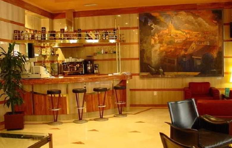 Hotel Sercotel Ciudad de Oviedo - Bar - 11