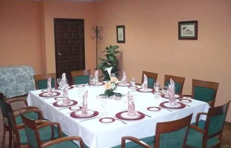 Las Villas de Antikaria - Restaurant - 16