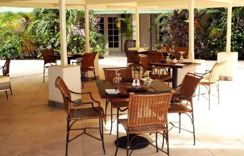 Blu Hotel St Lucia - Terrace - 3