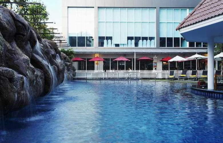 Centara Nova Hotel and Spa Pattaya - Pool - 19