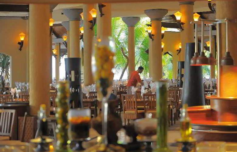 Victoria Beachcomber Resort & Spa - Restaurant - 31