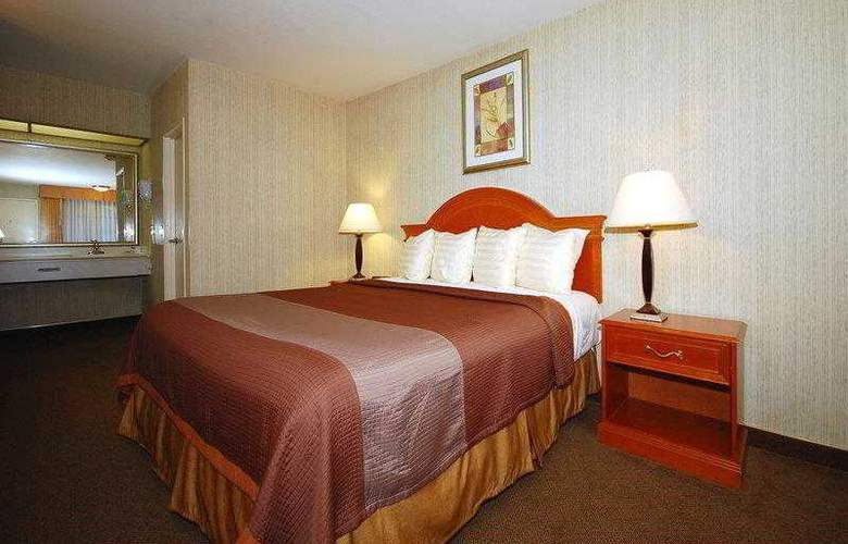 Best Western Airport Plaza Inn - Hotel - 8