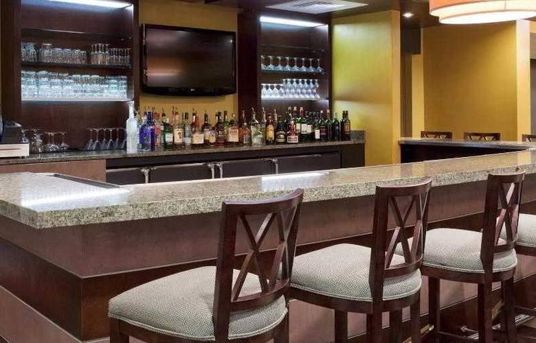 Holiday Inn Titusville / Kennedy Space Center - Bar - 31