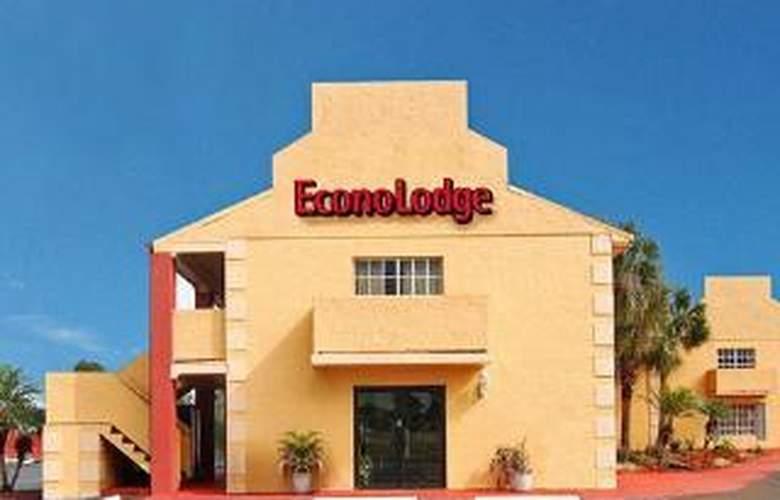 Econo Lodge  Inn & Suites Maingate Central - Hotel - 0