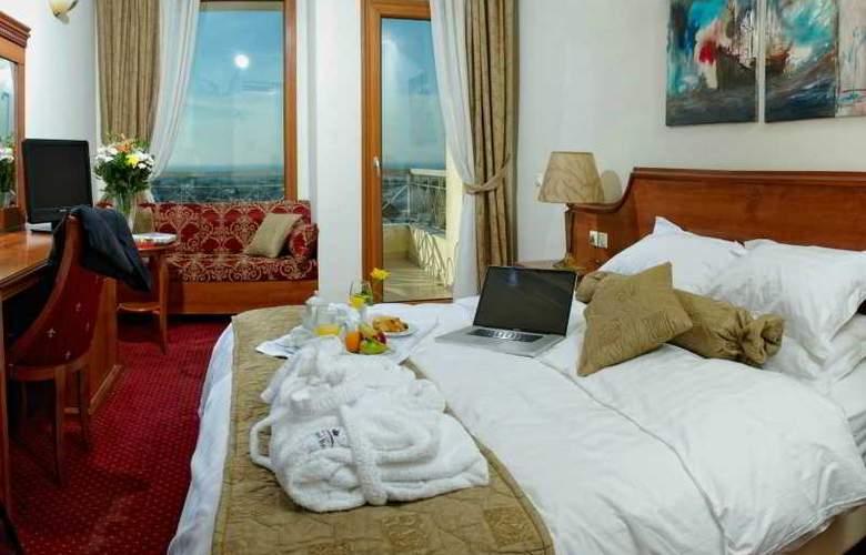 Royal - Room - 2