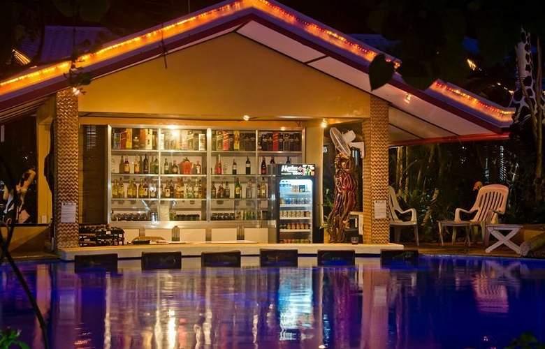 Deep Forest Garden Hotel - Bar - 3