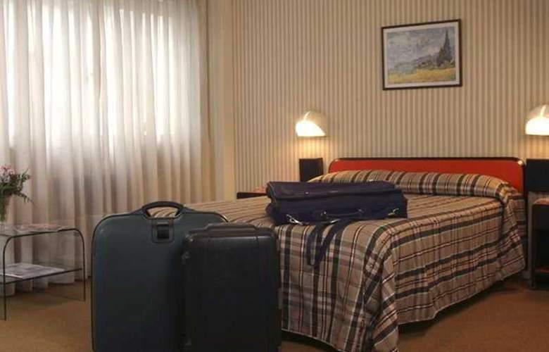 Gran Hotel Orly - Room - 2