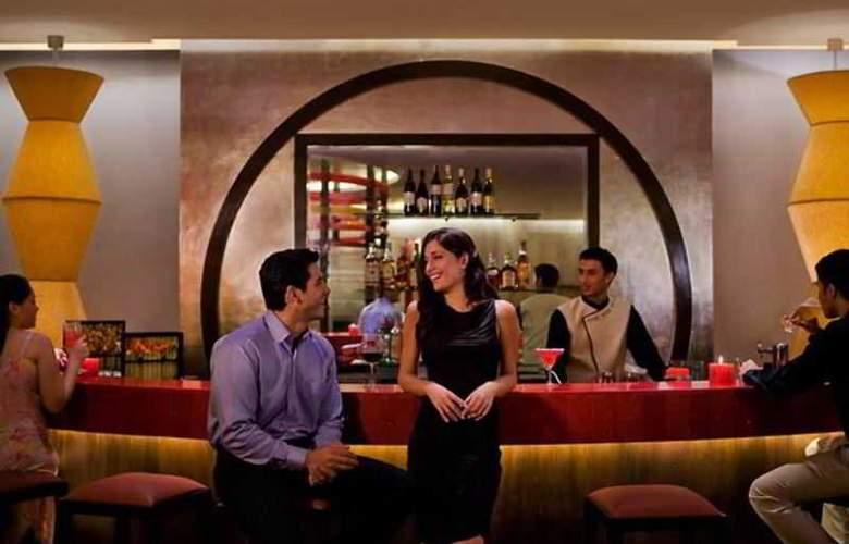 Courtyard By Marriott Mumbai - Bar - 14