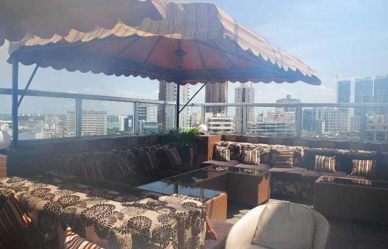 Holiday Inn Dar Es Salaam - Terrace - 19