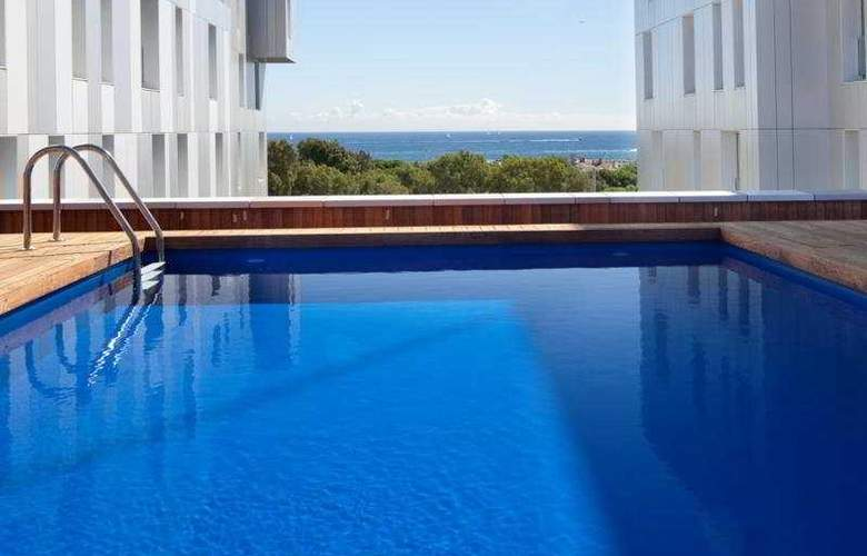 Lugaris Beach - Pool - 10