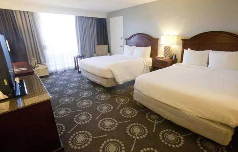 DoubleTree by Hilton Midland Plaza - Hotel - 2