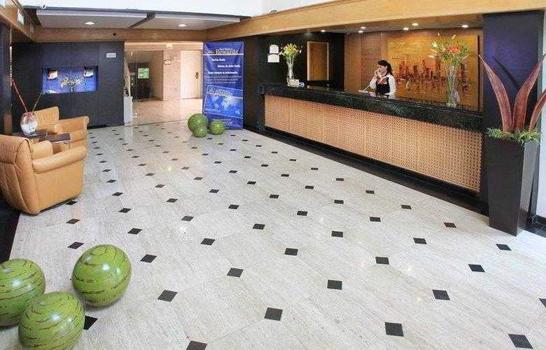 Best Western Plus Monterrey Colon - Hotel - 2