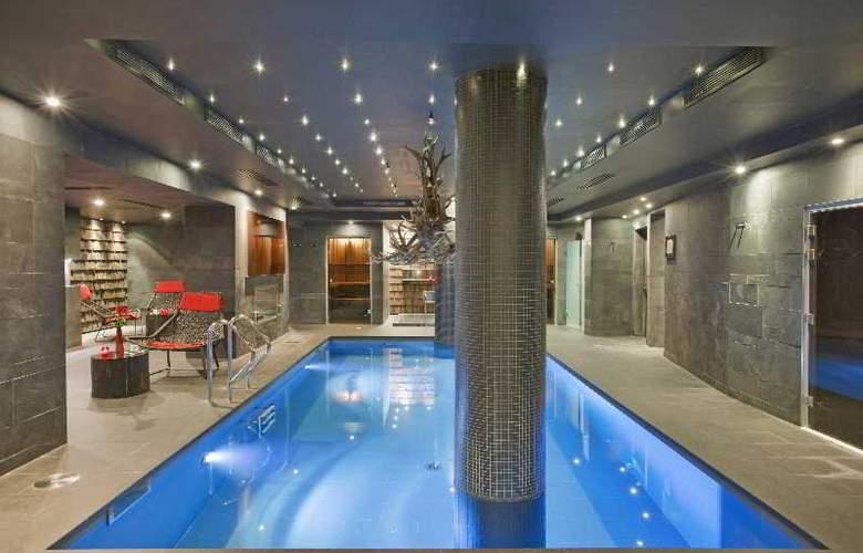 Avenue Lodge Hotel - Pool - 2