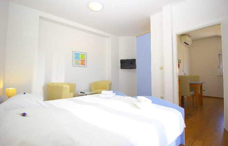 Bacan Serviced Apartments - Room - 7