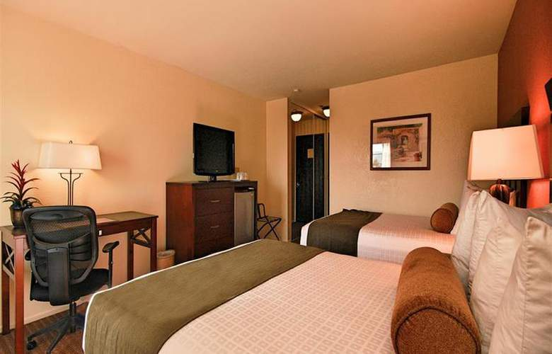Best Western Plus Carpinteria Inn - Room - 55