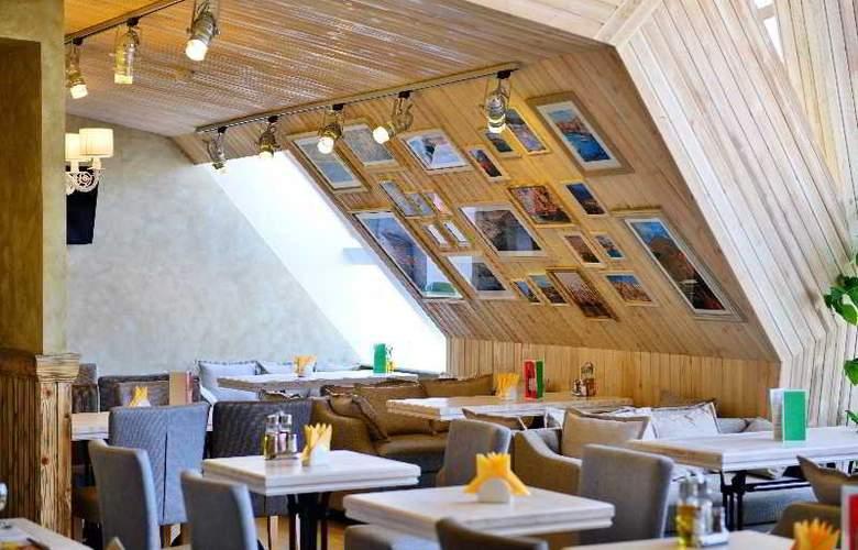 Petro Palace - Restaurant - 11