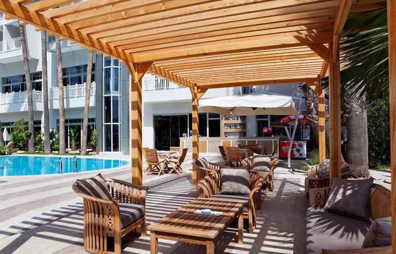 Fantasia Hotel Marmaris - Terrace - 9