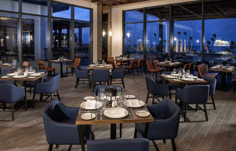 Lopesan Costa Bávaro Resort Spa & Casino - Restaurant - 26
