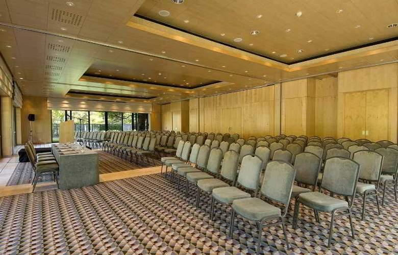 Vineyard - Conference - 4