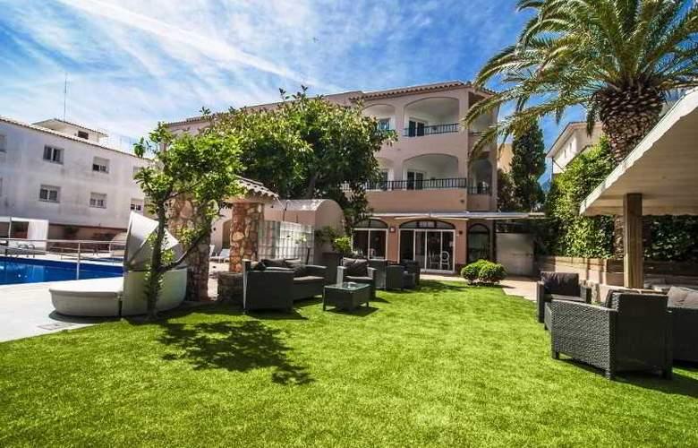 Apartamentos Turísticos Royal Life - Terrace - 32