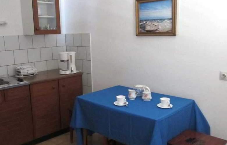 Baresic Apartmani - Room - 7