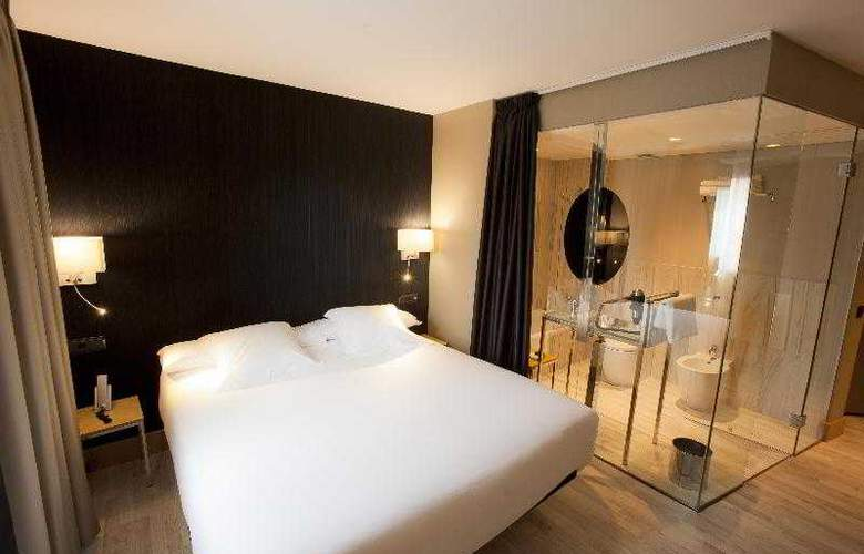Plaza - Room - 5