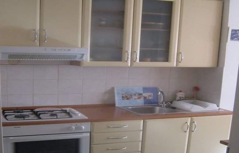 Apartman Srce Zagreba - Room - 8