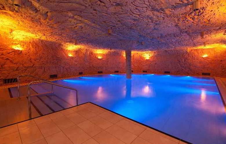 Zur Therme Swiss Quality Hotel - Pool - 16
