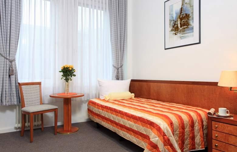 Potsdamer Inn - Room - 6