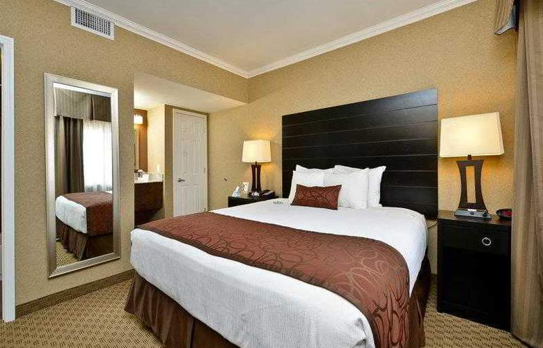 Best Western Plus Inn Suites Yuma Mall - Hotel - 4