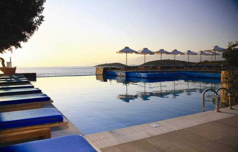Saint Nicolas Bay - Pool - 4