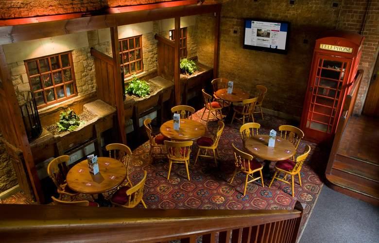 Best Western Plus Orton Hall Hotel & Spa - Bar - 15