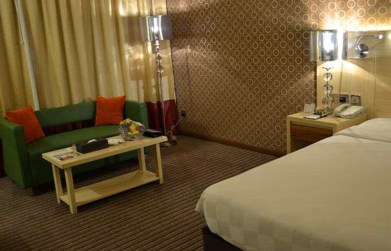 Saffron Boutique Hotel - Room - 6