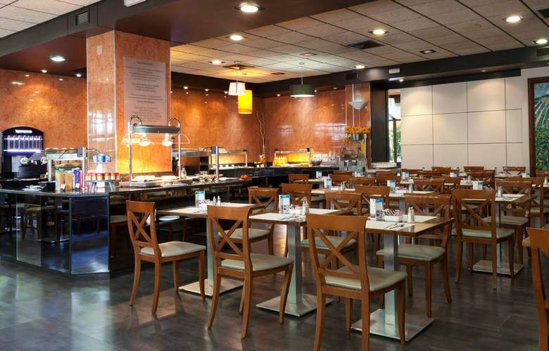 Senator Barajas - Restaurant - 16