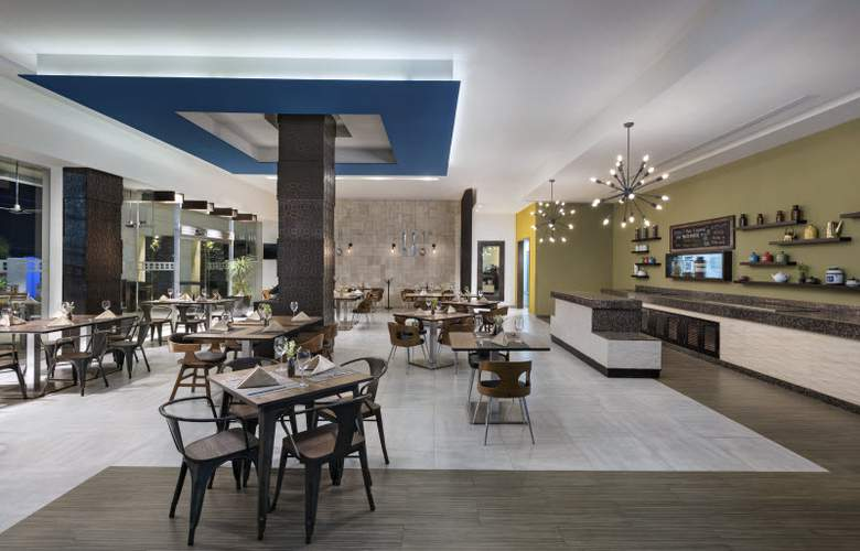Four Points by Sheraton Cancun Centro - Restaurant - 26