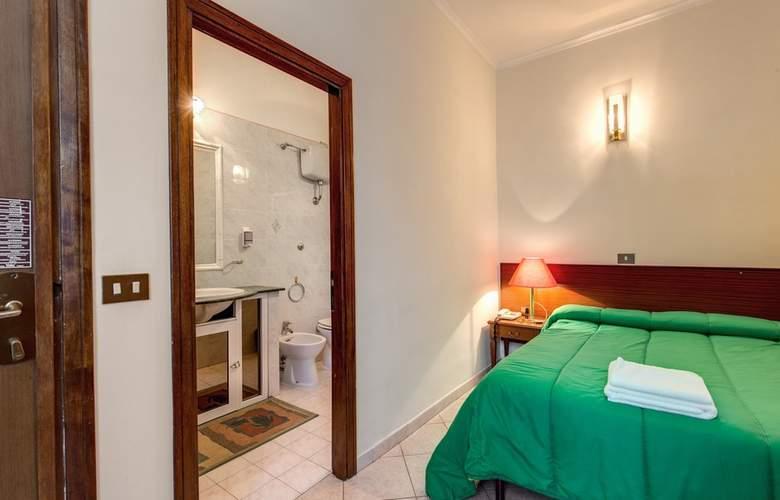 Cambridge - Room - 37
