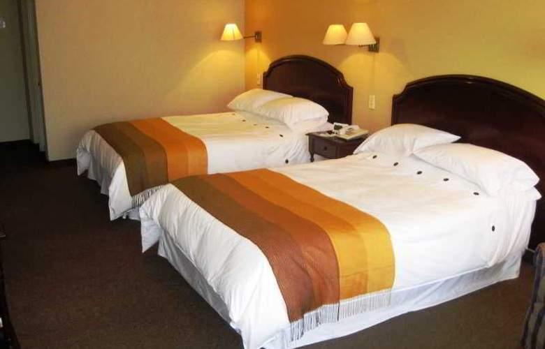 Suites Plaza Las Flores - Room - 5
