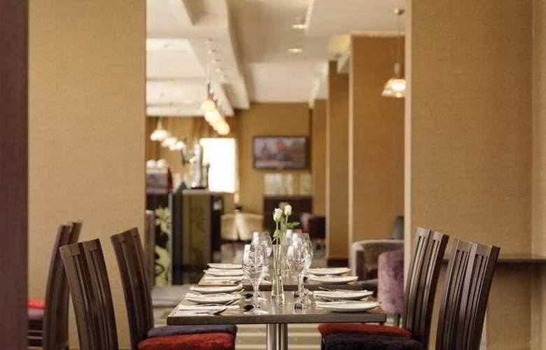 Clayton Cardiff - Restaurant - 63