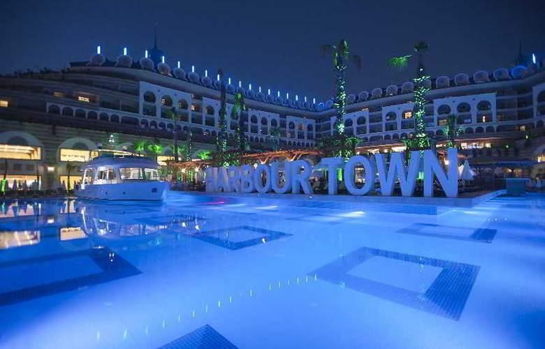 Crystal Sunset Luxury Resort & Spa - Pool - 17