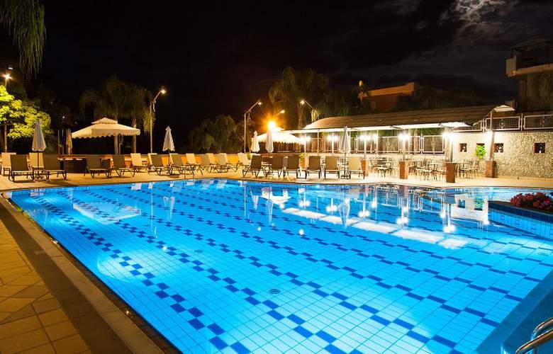 Diamond Resorts Naxos Taormina - Pool - 28