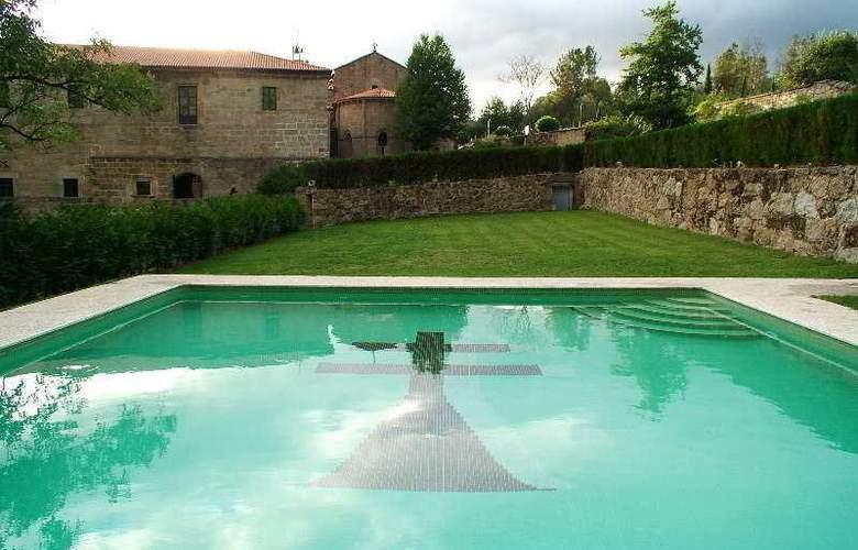 Monumento Monasterio de San Clodio - Pool - 4